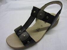 Sandali e scarpe nere Remonte per il mare da donna
