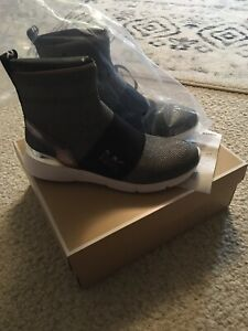 Michael Kors Sterling Bootie Gunmetal Size 10 New In Box