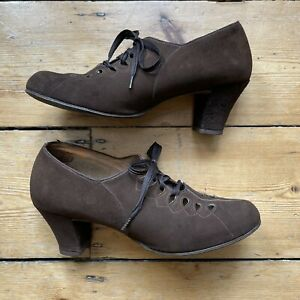 Vintage 1930s Lace-up cutout brown suede heeled shoes Size 5 1940s