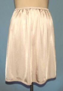 Simply Gorgeous Vassarette 18-Inch Dark Nude Half Slip Size Small