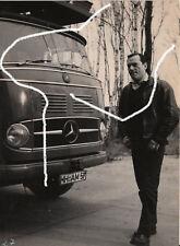 18x13 Film Stand Foto 1959 Eddie Constantine Mercedes L321 still photo