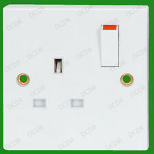 1 Gang White Plastic Switched 13a Single Mains UK 3 Pin Wall Socket Bs1363