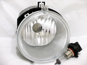 One Driving Fog Light Lamp For 2005-2009 Grand Cherokee 2006-09 Commander RH=LH