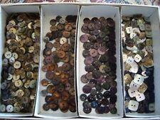 Lotto bottoni in madreperla, vari colori, + di 1000 esemplari (leggere descriz)