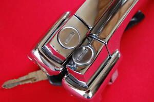 VW BEETLE BUG DOOR HANDLE SET W/LOCKING KEYS, PAIR, 1960-1964 SEDAN/CONVERT.