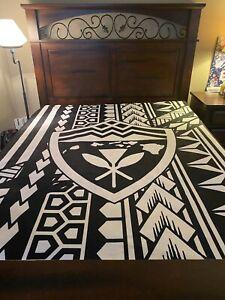"""Hawaii's finest Hawaiian Tribal Kanaka Blanket Sherpa Fleece 60""""x 50"""" Size"""