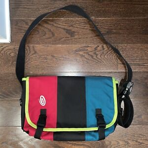 Timbuk2 Messenger Bag with Laptop Sleeve and Tons Of Pockets - Great Condition