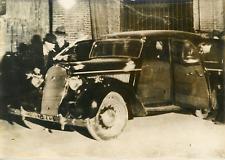Janvier 1938, agression des encaisseurs de Troyes Vintage silver print,la voit