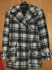 Vintage coat black white checked jacket size L XL 70% wool Great vintage jacket