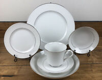 Vintage Crown Victoria Lovelace 6 Piece Full Dinner Place Setting