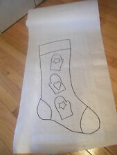 Primitive mittens Christmas stocking rug hooking pattern on gridded trace fabric
