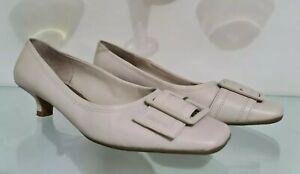 ZENSU cream leather pumps Kitten heel shoes  size 9 VGC