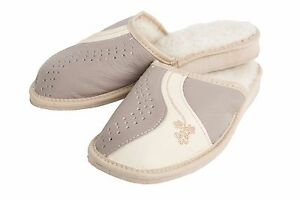 Womens  Very Warm House Flip Flops Indoor Slippers with Furry Lining FOS208