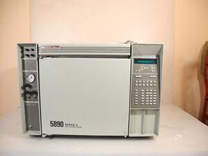 Hewlett Packard Modell 5890A Gas Chromatograph Series II