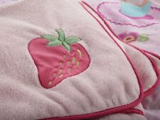 Girls Pink Cup Cakes Strawberry Fleecy Style Throw 120cm by 150cm Cupcakes.