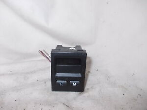 BMW E36 COMPACT DIGITAL TIME CLOCK FROM THE DASHBOARD 1999 YR
