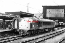 PHOTO  1978 'PEAK' DIESEL NO 45073 AT CARLISLE RAILWAY STATION CLASS 45 DIESEL-E
