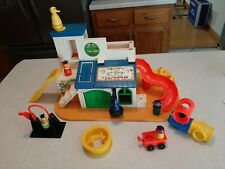 VTG 1977 Fisher Price Play Family #937 Sesame Street Clubhouse 100% Complete G2