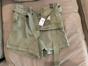 Abercrombie and Fitch NEW WITH TAGS NWT medium army green shorts with belt