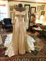 ABSOLUTELY GORGEOUS 1940'S VINTAGE CREPE-BACK-SATIN FORMAL WEDDING DRESS SZ 6