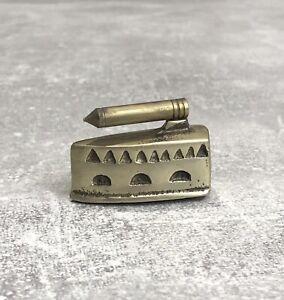 """Setzkastenfigur Messing """"Bügeleisen"""" Miniatur für Setzkasten #A17"""