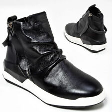 NewStylish Mens Casual Fashion Black And White Contrast Wrinkled Sneakers