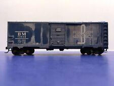"HO Scale 40' ""Boston & Maine"" BM 70056 Freight Train Box Car / Mantua brand"