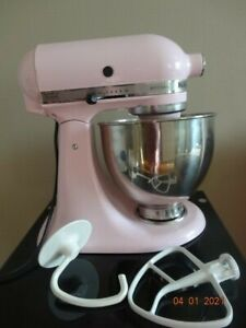 KitchenAid Artisan 5 Qt Mixer KSM150PSPK Pink with two attachments