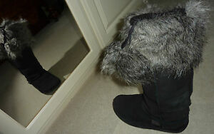 New Faux Fur Boot Toppers With Pompoms Lili & Poppy BNIP Stretch To Fit Boots