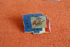 15196 PIN'S PINS TV TELE TELEVISION ANTENNE 2 DRAPEAU FLAG EUROPE FRANCE