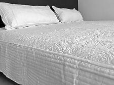 Colcha Edredón Quilt blanco 240x240 + 2 Fundas para cojines 40x80 Patrón paisley