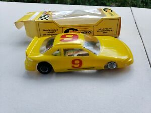 VINTAGE 1/24 CHAMPION P style SLOT CAR CHASSIS. Super astro.