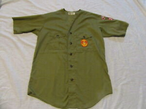 Vintage Official Boy Scout ShortSleeve Shirt w/patches - Olive Green Medium?