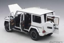 Coches, camiones y furgonetas de automodelismo y aeromodelismo blancos, Mercedes de escala 1:18