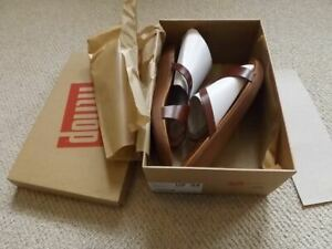 Fit Flop Strata Leather Toe Thong Sandals in Cognac uk 8 eu 42 brand new boxed