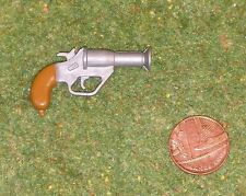 VINTAGE ACTION MAN 40th ACTION SOLDIER FLARE PISTOL LIGHT BROWN HANDLE
