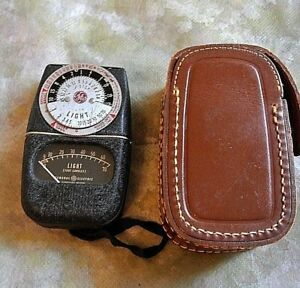 General Electric Exposure Light Meter Model  DW 68 Works