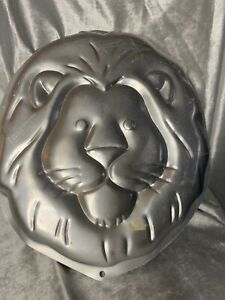 VINTAGE WILTON JUNGLE LION ALUMINUM CAKE PAN ©1994, #2105-2095,with INSERT