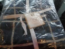 POTTERY Barn Teen Boxter bath towels set 2 Navy  New
