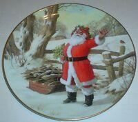 Royal Doulton Collectors Plate MERRY CHRISTMAS PN205 Santa Father Christmas