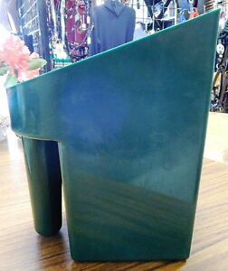 New Plastic Feed Scoop Green K & D Equestrian #KD119, 6-8 Cups Horse Tack