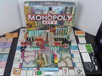 Monopoly City 3D Board Game Hasboro 2009 Complete