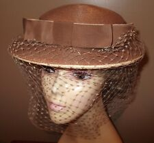 Vtg 1950s Brimmed & Netted Woven Women's Beige Hat W/ Grosgrain Ribbon & Bow