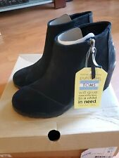 Toms  Women's Suede Wedge Avery Black Bootie 8.5  New