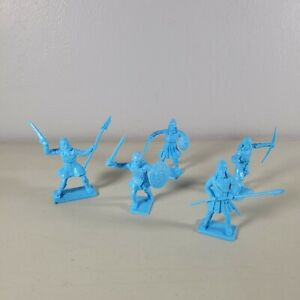 """Vikings Medieval Cherilea Recasts In 5 poses Blue Size 60mm 2.3622"""" Tall Plastic"""