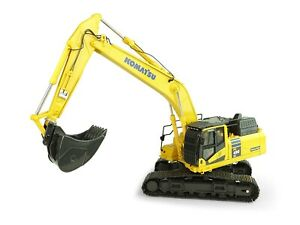 Universal Hobbies UH8120 Komatsu PC490-11 Tracked Hydraulic Excavator Scale 1:50