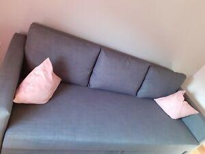 Schlafcouch mit bettkasten von ikea