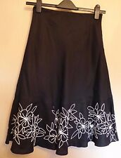 Kaliko UK8 EU36 US4 black linen-blend lined skirt with white embroidered hemline