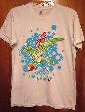 VERDE STYLES eco-friendly brand T shirt abstract Stained-Glass Bird med tee