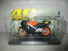 Moto Honda NSR 500 Valentino Rossi 46 1999 Scala 1:18